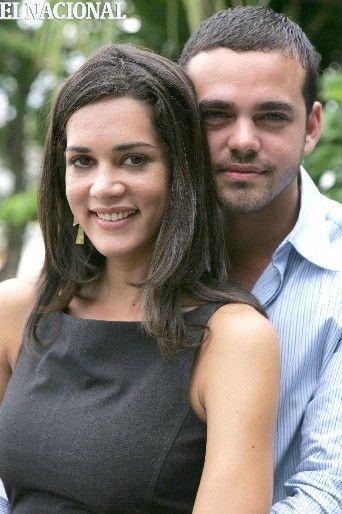 """Manuel Sosa y Mónica Spear, protagonistas de la telenovela de RCTV  """"Calle luna, calle sol"""". Caracas, 07-09-2009. (LEONARDO NOGUERA / EL NACIONAL)"""