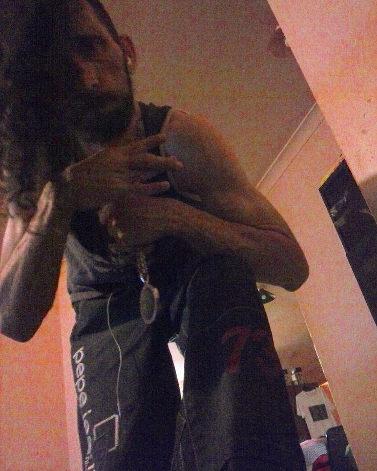 #WORLDWIDE #WESTCOAST #BANGER #SWAG #TRILL #TRAP #HIPHOP #RAP #URBAN #GANGSTAR_RAP #EDM #ICON #IMFAMOUS #MR_CNX #CONOUSSIER_X #DOPE #SIK