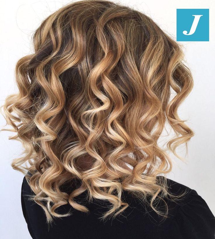 Degradé Joelle - Taglio Punte Aria - Waves #cdj #degradejoelle #tagliopuntearia #degradé #igers #musthave #hair #hairstyle #haircolour #longhair #ootd #hairfashion #madeinitaly #wellastudionyc