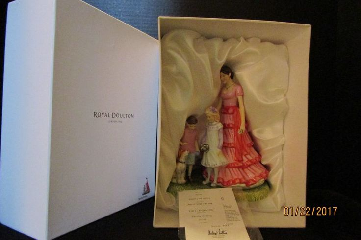 """Royal Doulton  """" Family Outing """" Limited Edition 0177 of 1000 NIB"""