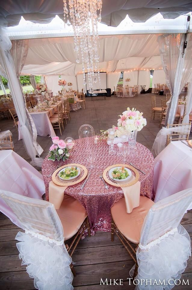 Sweetheart table with sequins!