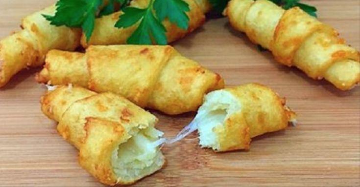Gustul acestor cornulețe din cartofi amintește gustul chipsurilor: sunt la fel de apetisante, aromate și crocante. Ele se prăjesc într-o cantitate mare de ulei foarte încins. Dacă, din oarecare motive, acest mod de preparare nu este potrivit pentru dumneavoastră, puteți coace cornulețele în cuptor, la temperatură mare. Acest fel de mâncare face parte din categoria felurilor economice de mâncare, deoarece poate fi pregătit din cartofii fierți, care vă rămân după prepararea altor rețete și…