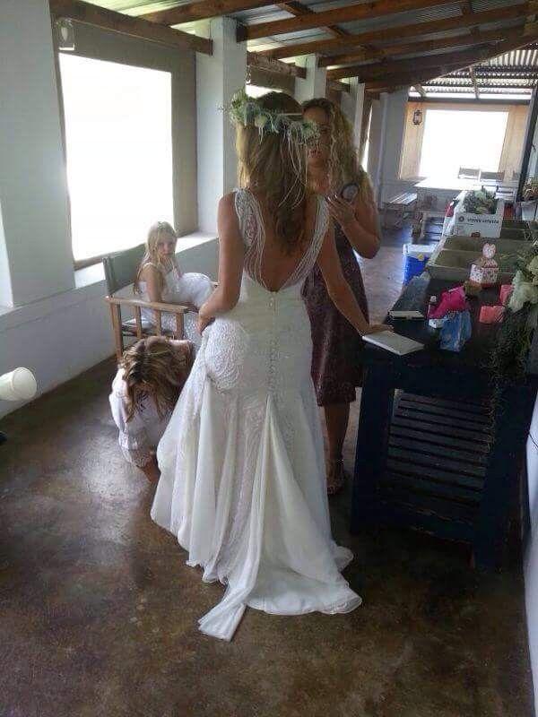 Vintage Boho Chic Size 8  Wedding Dress | Still White