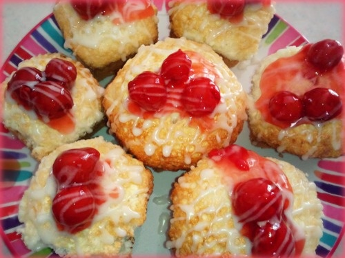 116 Calories! 0 Fat! 22g Carbs! 3.4g Protein!    Ingredients    1 Fat Free Angel Food Cake Box   2 Tbsp Pillsbury Sugar Free Frosting  Sugar Free Cherry Pie Filling  Directions    Prepare Cake with Box Directions, Instead of cake pan pour mix into Cupcake pan 3/4 full  Let cool for 10 minutes then remove from pan  Add 2-3 Cherries on top  Melt 2 tbsp of frosting in microwave for 12 seconds and pour over batch of Angel Cakes