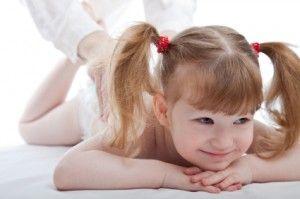 Masaje infantil (hasta 12 años) Enseñales a cuidarse con un masaje relajante, que les quitará sus pequeños dolores.