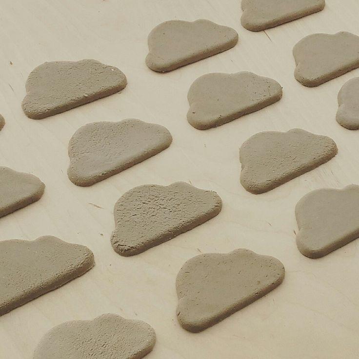 Cloud ceramic magnets