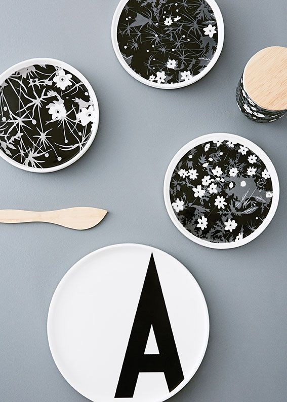 Organic flower pattern on our porcelain. Design: Flowers by AJ. Mix with our AJ Vintage ABC porcelain for a cool and graphic look. Material: Fine Bone China.