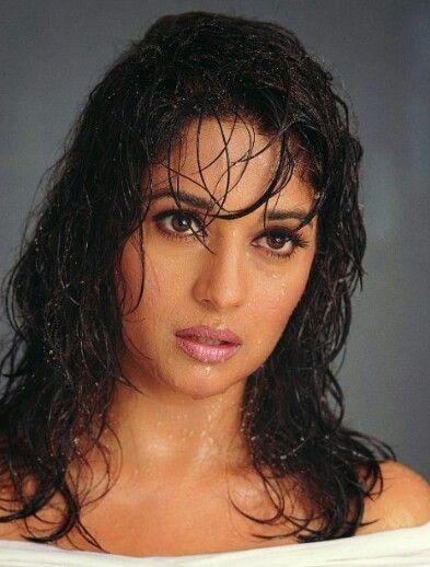 Deepika padukone Priyanka chopra Katrina kaif anushka sharma kajol preity zinta madhuri divit shah rukh khan aamir salman rani mukherjee urvashi rautela pooja hegde donan kapoor bollywood divya bharti