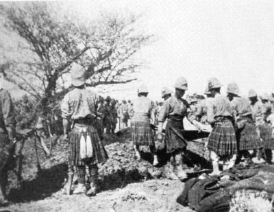 Highlanders see to the burying of the dead following Omdurman. Although the Mahdists suffered about 10,000 killed and at least an equal number wounded, the combined Anglo-Egyptian Force - numbering 8,000 British and 17,000 Egyptians and Sudanese - reported only 42 dead, and a few 100 wounded. (National Army Museum)