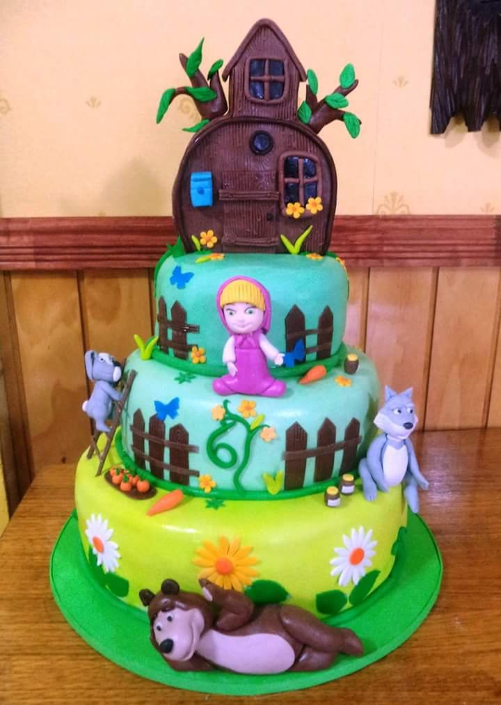 #Masha_and_the_Bear #fondant #cake by Volován Productos #instacake #puq #Chile #VolovanProductos #Cakes #Cakestagram #SweetCake