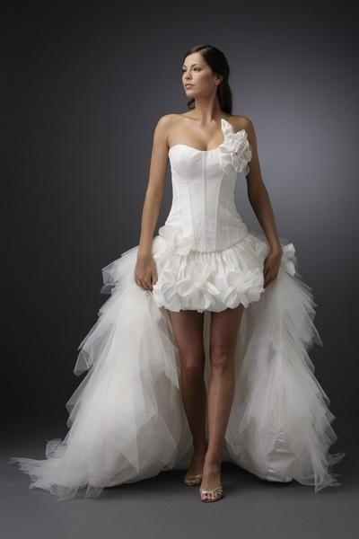 Igen Szalon Modeca wedding dress -M 97065A #igenszalon #Modeca #weddingdress #bridalgown #eskuvoiruha #menyasszonyiruha #eskuvo #menyasszony #Budapest