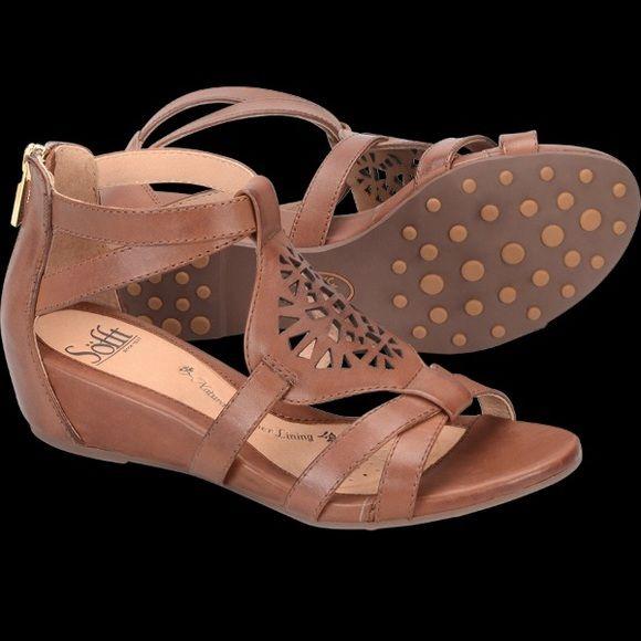 Söfft Breeze Sandals - NWT Brand new, never worn Breeze sandals from Söfft. Still in their original box Sofft Shoes Sandals