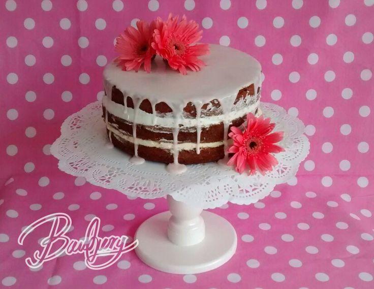 Cítricos y amapola! Las tortas rústicas con flores naturales son una tendencia para este año en toda clase de eventos