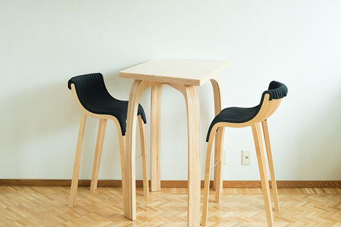 Барные столы и стулья из прочной фанеры - http://mebelnews.com/interjer/barnye-stoly-i-stulya-iz-prochnoj-fanery.html