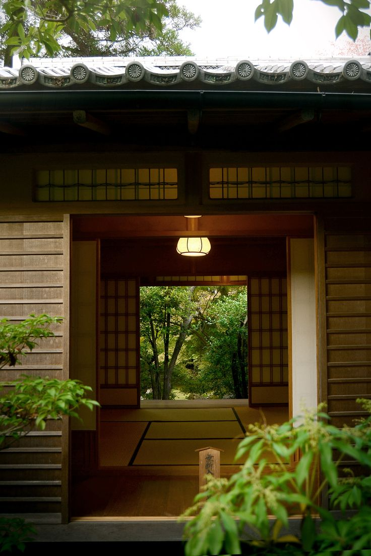 b-no-photo-stuff:  - Out, In, and Out - Kyoto -