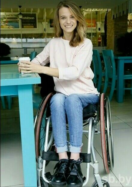 Andy C, Manual Wheelchair, Spinal Cord Injury, Special Girl, Strong Women, Cute Girls, Normcore, Beautiful Women, Lady