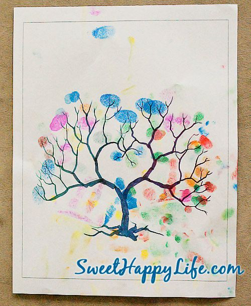 Autumn Fingerprint Tree - Autumn Toddler Activity  http://www.sweethappylife.com/2011/toddler-games-activities/toddler-indoor-activities/autumn-fingerprint-tree/