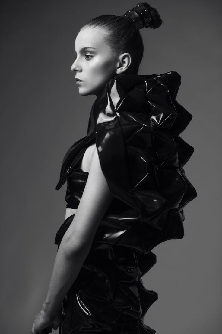 VAVILON' 13   Designer: Leonid Titow Photo: Maxim Gizatullin MUA: Svetlana Malaya Model: Ekaterina Nesterova