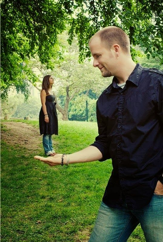 A Selection of Awkward and Funny Engagement Photos - Photo Media Mag