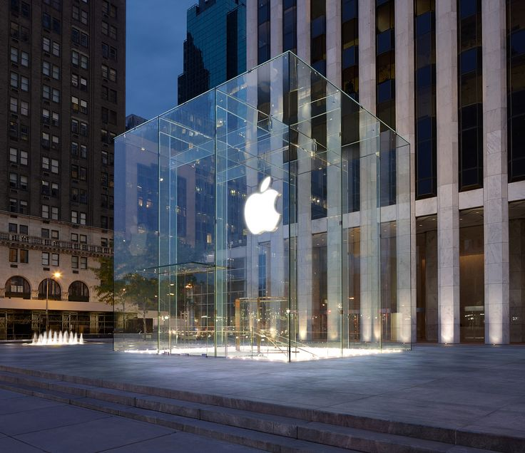 One of the most beautiful Apple store in the world, NY.