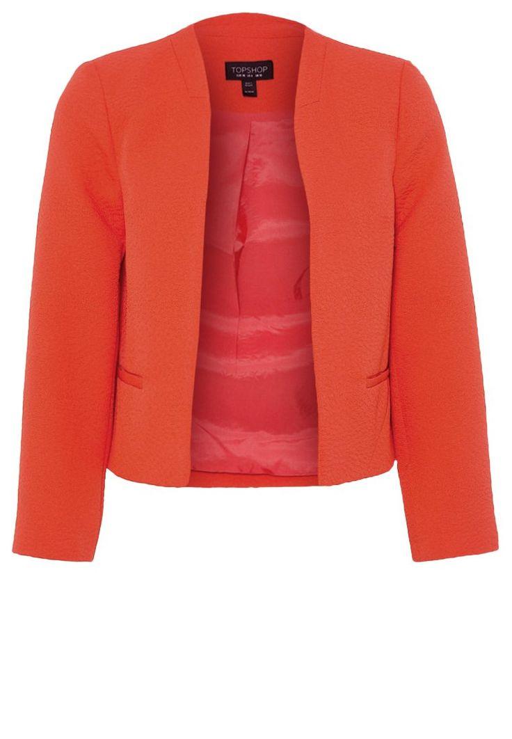 Un blazer arancione da indossare in ufficio, ma non solo. Perfetta con un paio di jeans skinny, un tubino o una camicia morbida.   #blazer #orange #topshop #jacket #fashion