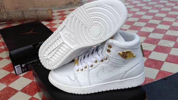 Nike Air Jordan 1 Retro High Og Pinnacle 705075 130 White Metallic Gold  Popular Shoe a931f0d95