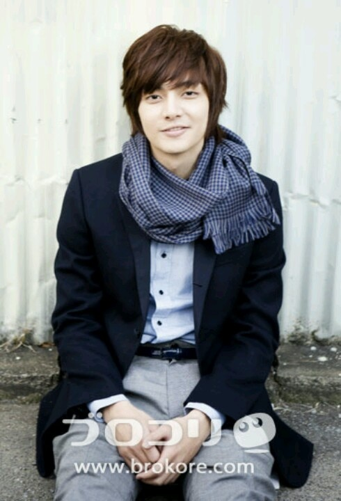 Kim joon... Boys over flowers, singer in tmax luv the song fight the bad feeling