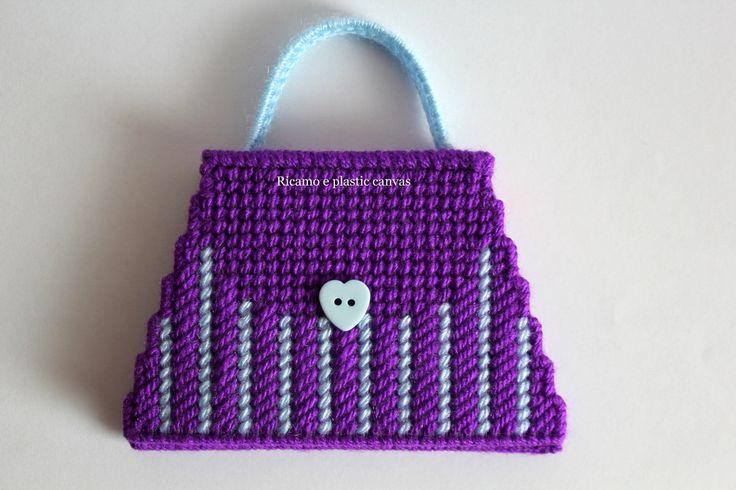 Porta memo mini borsa, porta post-it fatto a mano, porta appunti, borsa azzurra e viola,accessori per scrivania,idea regalo by Ricamoeplasticcanvas on Etsy