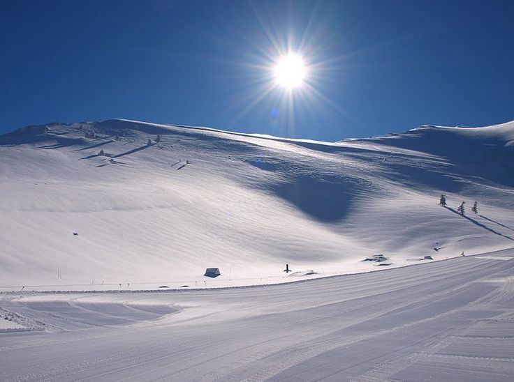 Χιονοδρομικό κέντρο Καλαβρύτων! http://diakopes.in.gr/trip-ideas/article/?aid=208071 #travel #greece #mountain #snow