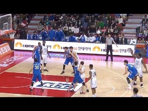 Korean Basketball League Players Do Mannequin Challenge in the Middle of a Game! Even the Referee! - http://www.truesportsfan.com/korean-basketball-league-players-do-mannequin-challenge-in-the-middle-of-a-game-even-the-referee/