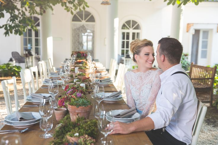 Rustic style wedding table setting at its best.