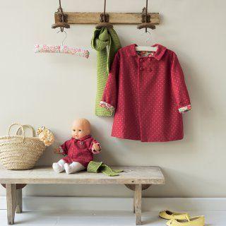 Le patron du manteau rouge pour fillette et poupée - Marie Claire Idées