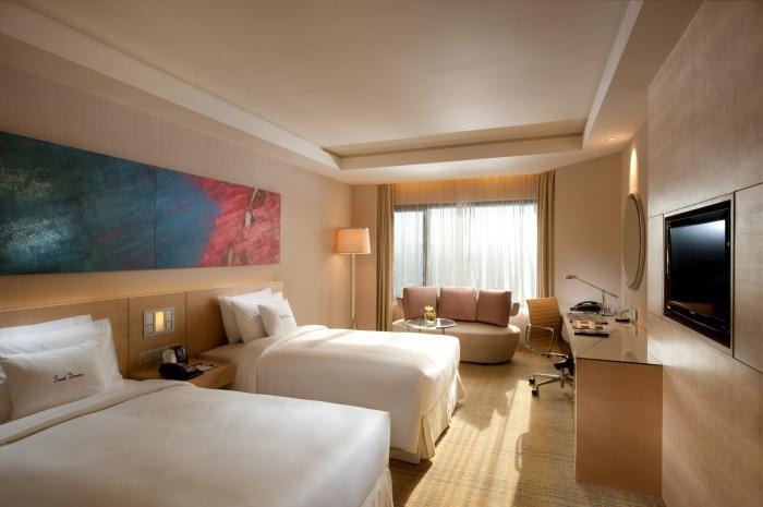 ✔ Giá từ: 2,687,000 VNĐ _______ ★ Số sao: 5 ___________________ ☚ Vị trí: Jalan Tun Razak Jalan ___  ❖ Tên khách sạn: DoubleTree by Hilton Kuala Lumpur_______ ∞ Link khách sạn: http://www.ivivu.com/vi/hotels/doubletree-by-hilton-kuala-lumpur-W291356/ ∞ Danh sách khách sạn ở Kuala Lumpur: http://www.ivivu.com/vi/hotels/chau-a/malaysia/kuala-lumpur-malaysia/all/7469/
