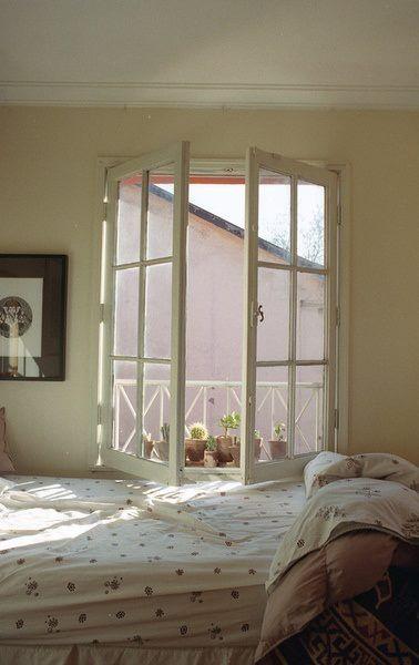 Oltre 25 fantastiche idee su design camera da letto - La finestra della camera da letto ...