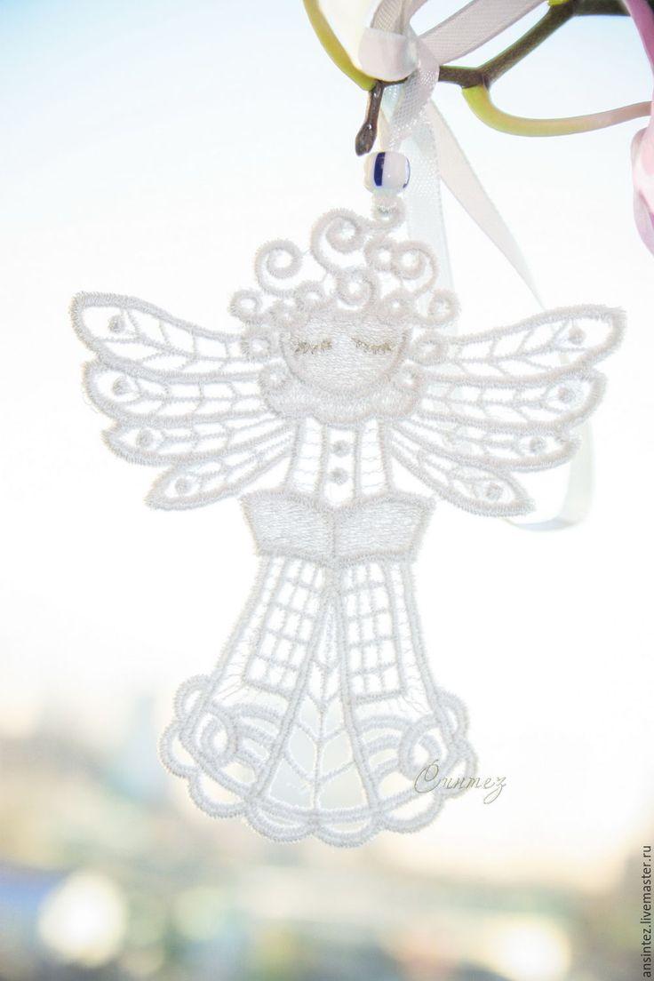 Купить Читающий ангел на счастье вышитая подвеска для мобиля и интерьера - ангел вышитый, интерьерная подвеска