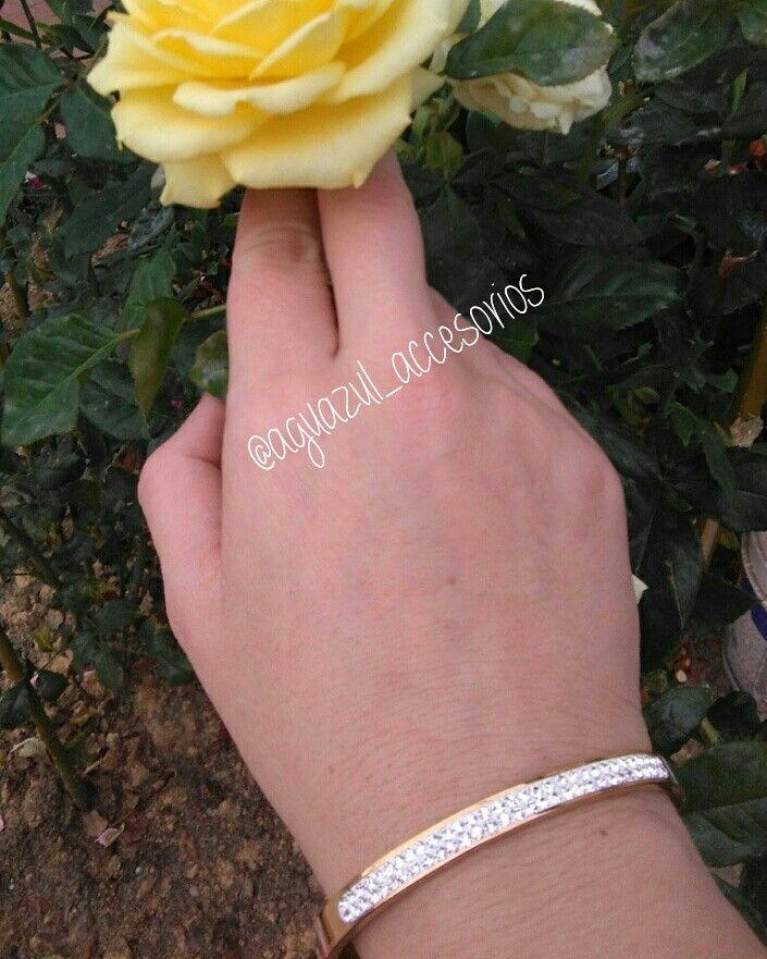 brazalete en acero3147059894 Solicita él catalogo y haz tu pedido YA venta al por mayor y al detal @aguazul_accesorios