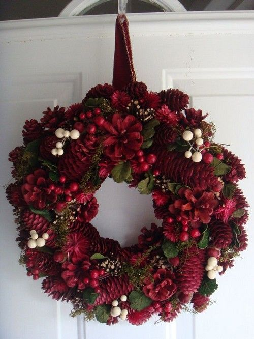 Home Decor: 25 Christmas Wreath Ideas Messagenote.com Christmas wreath holiday wreath front door wreath