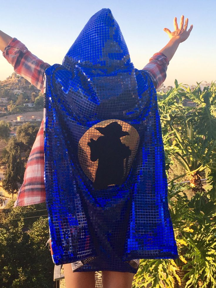 Shiny Hooded Big Foot Cape for Adult Costume / Music Festivals 4vvtNE3a5x