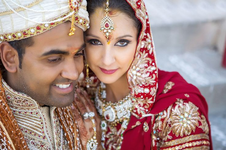 Cultures and religions collide in a fusion wedding, incorporating Jewish & Hindu traditions, Captured by Smith Studios Photography