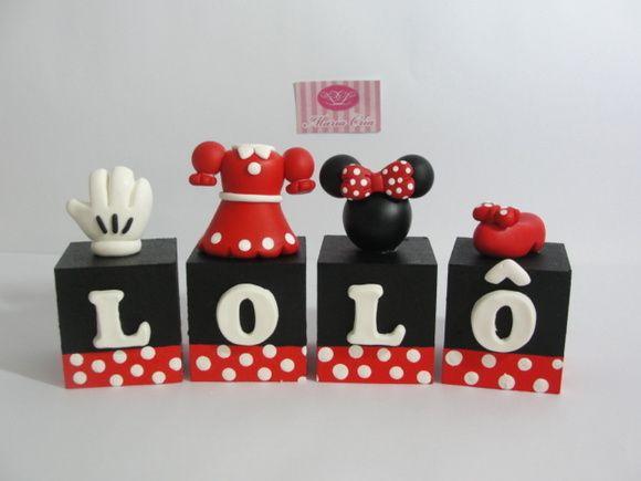 Cubo+em+MDF+e+personagens+em+Biscuit.++Ideal+para+ser+usado+como+topo+e+frente+de+bolo+e+enfeitar+a+mesa+do+bolo.