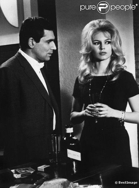 Brigitte Bardot et Robert Hossein dans Le repos du guerrier (1962).