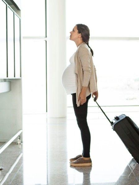 Was Ihr beim Fliegen in der Schwangerschaft beachten solltet.