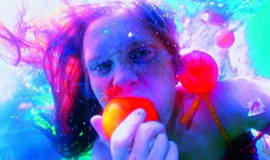 Pippilotti Rist  Tyngdkraft, var min vän (Gravity Be My Friend), 2007