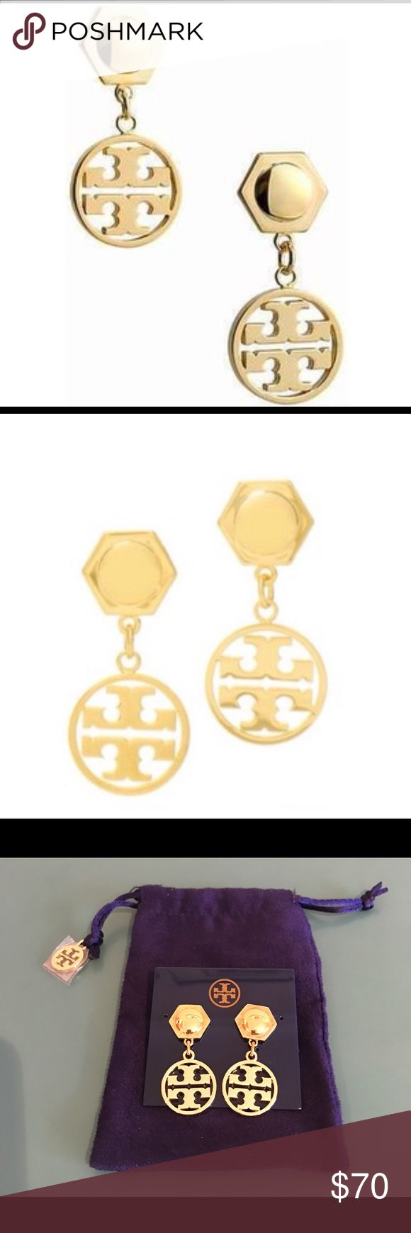 "Tory Burch Circle Logo Drop Earring Hurry before I change my mind! 😂 These stunning earrings are so chic and so very effortless. A hexagonal stud is combined with the iconic double T, making it classy yet edgy. Understated and beautiful, this is the perfect accessory for everyday. 💫16k gold-plated metal. 💫Post back closure for pierced ears 💫Length:1.5"" 💫Width: .75"" 💫Dust bag is included 🌟FUN FACT: Tamra Barney was seen wearing these on the Real Housewives of Orange County. 🍊 Tory…"