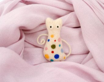 Needle felt cat brooch MADE TO ORDER by CreativeAtelierBg on Etsy
