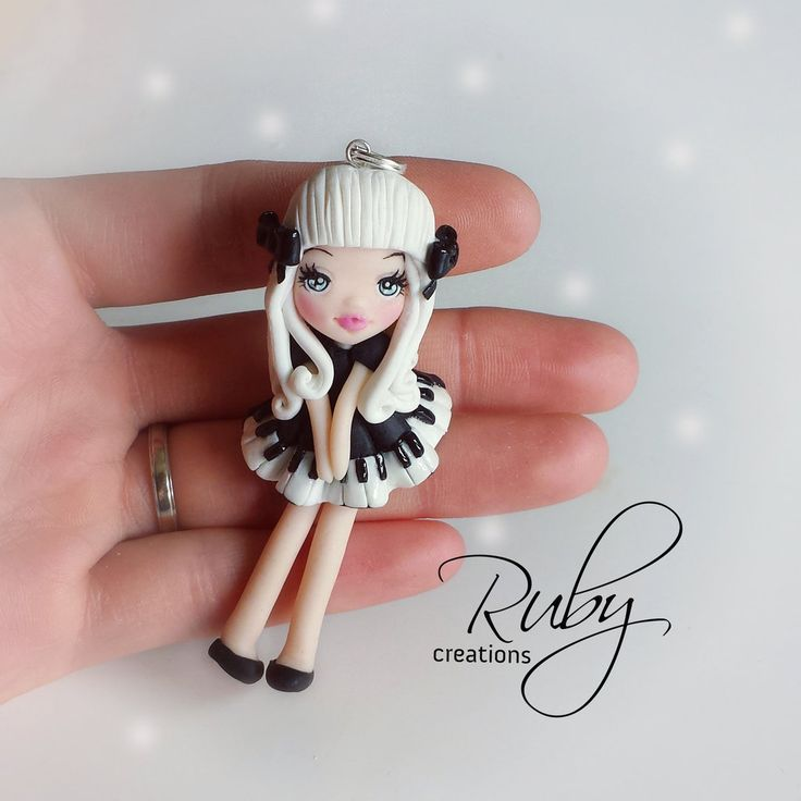 The+little+pianist,+polymer+clay+doll+necklace+by+Ruby-creations.deviantart.com+on+@DeviantArt