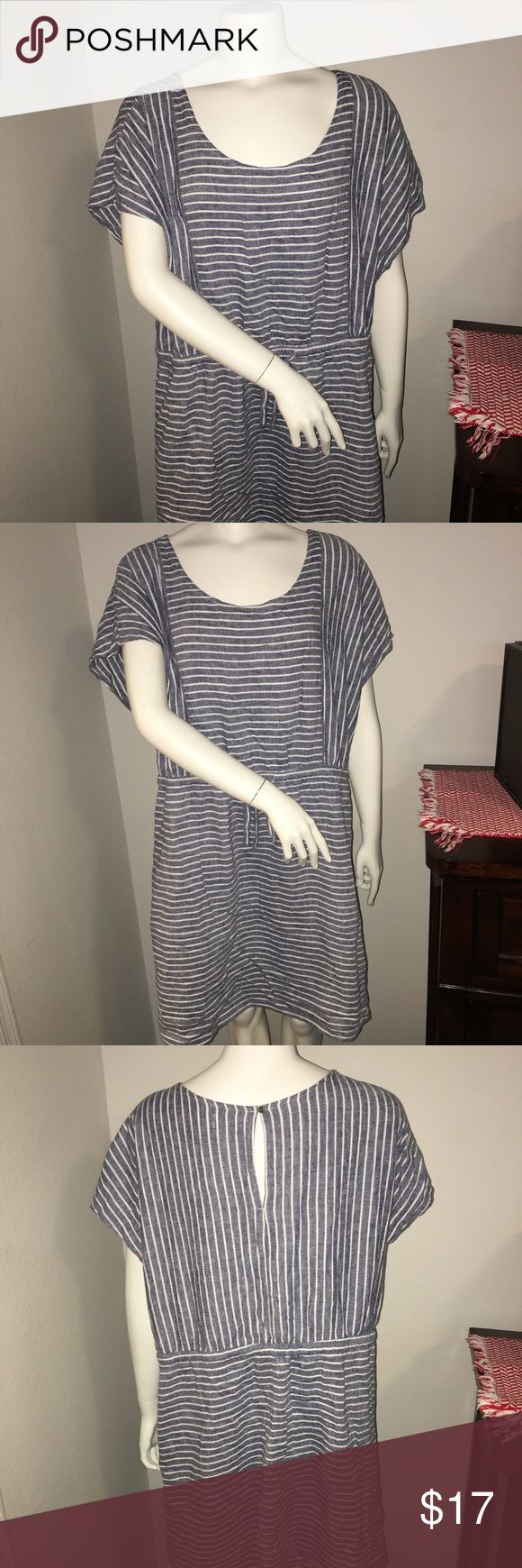 """Old navy womens plus size blue & white dress XXL Thank you for viewing my listing, for sale is a women's, Old navy Brand, Blue and white striped, knee length, plus size dress.  Sz: Xxl  Dress is in very good condition with no rips or stains. If you have any questions or would like additional photos please feel free to ask.  From under one arm to under the other measures appx 24"""" across the waist measures appx 21""""from the top of the shoulder to the bottom of the dress measures appx 38"""" Old…"""