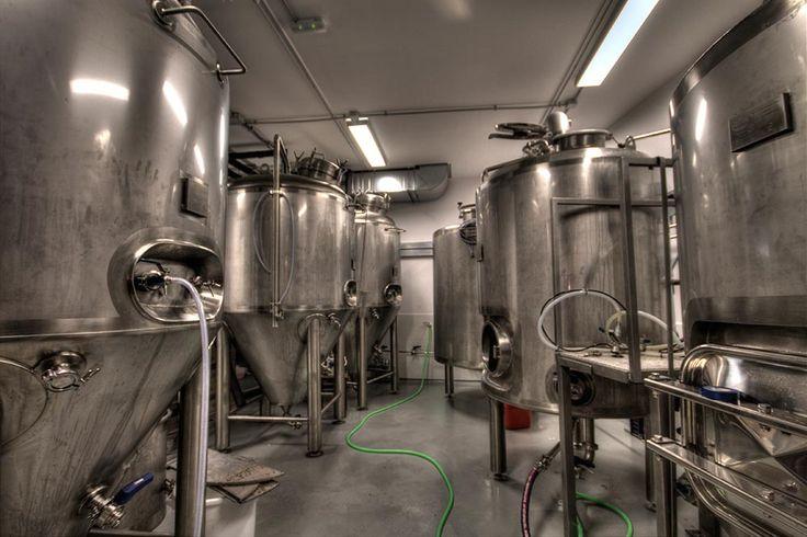 Diseño y decoración bar Fabrica Garage Beer Co