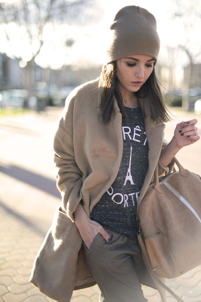 beige coat, beanie. Lovely Pepa / While in Madrid #FashionBlog, #Style #casual