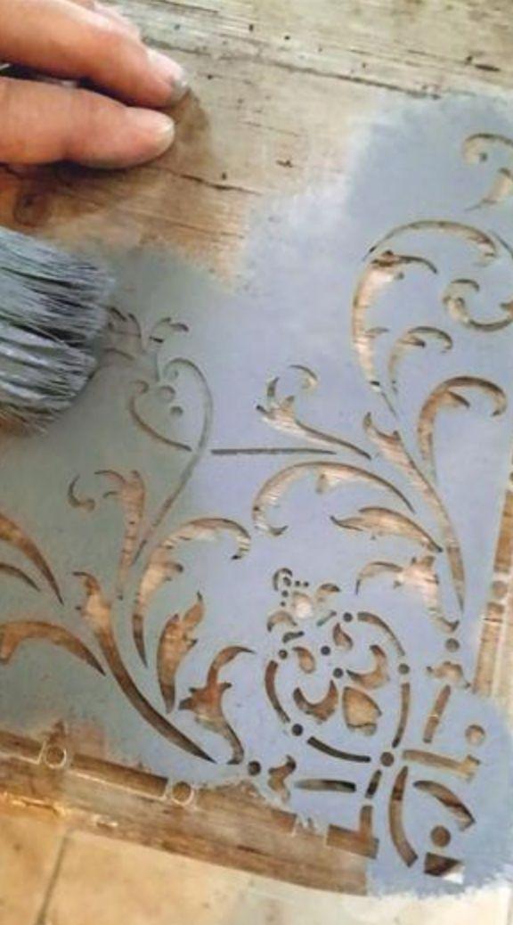 Vintage Paint Jeanne d'Arc Living ci sono anche gli #stencil !!!
